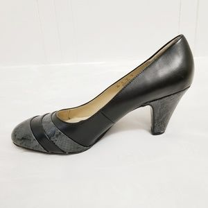 Naturalizer| Black and Gray Snakeskin Look Heels